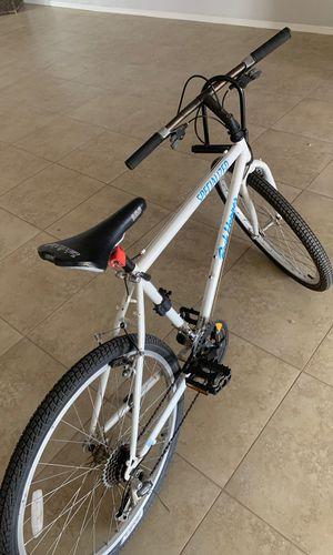 Road bike//lock for Sale in Tempe, AZ