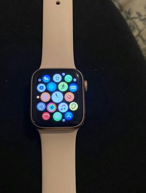 Rose gold apple watch series 5 for Sale in Sun Valley, NV