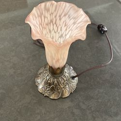 Pink Tulip Trumpet Table Accent Lamp With Brass Base -vintage for Sale in Long Beach,  CA