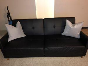 Black love seat/ futon for Sale in Los Angeles, CA