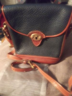 Dooney & Bourke purse for Sale in Joint Base Lewis-McChord, WA