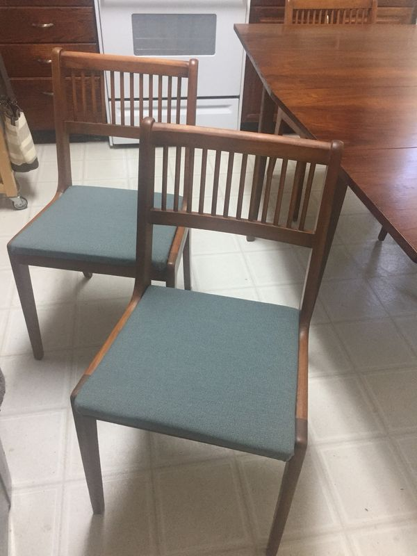 Awesome Vintage Mid Century Dining Table and 4 Chairs
