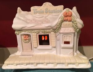 Enesco 1995 Precious Moments Sugar Town Train Station Christmas #150150 for Sale in Spring Valley, CA
