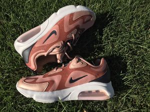 Women's Air Max 200, Size 9. for Sale in Los Angeles, CA