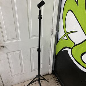 Standing Tripod for Sale in Winter Haven, FL