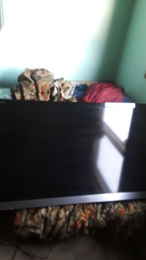 "Sony bravia 55"" with wall mount for Sale in Eau Claire, WI"
