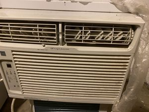 Window air conditioner for Sale in Newton, IA