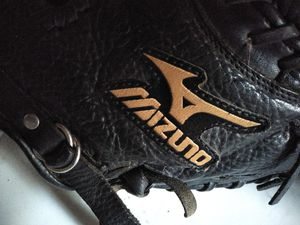 Catchers glove MIT baseball softball great condition for Sale in Garden Grove, CA