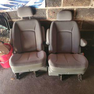 2004 Dodge Grand Caravan Seats for Sale in Elizabeth, NJ