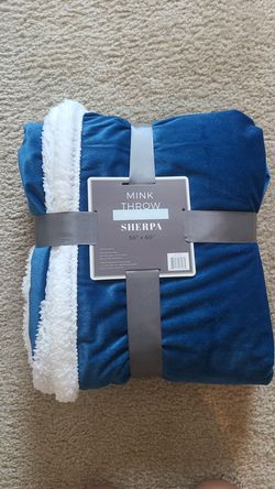 """Throw blanket, reversible, 50""""x60"""" blue and white for Sale in Romoland,  CA"""