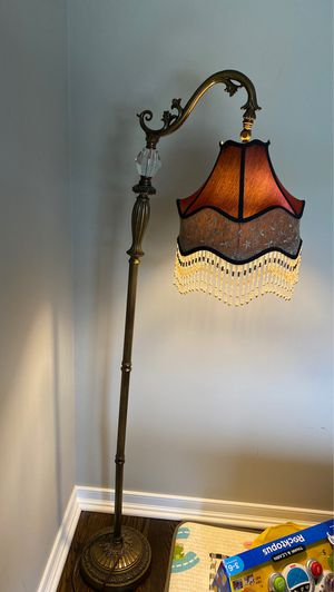 Floor lamp for Sale in Farmington Hills, MI