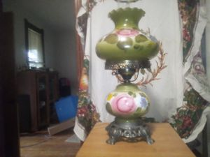 Vintage gone with the wind lamp for Sale in Collinsville, IL