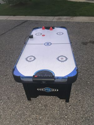 Air hockey table for Sale in Walled Lake, MI