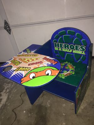 Kids desk for Sale in Ontario, CA