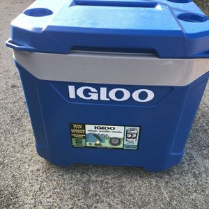 Igloo 60 Quart Cooler for Sale in Benson, NC