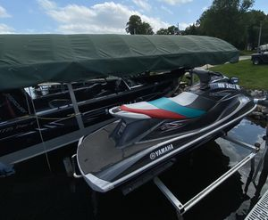 2013 YAMAHA VX DELUXE JET SKI $7,500 for Sale in Onamia, MN