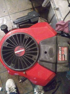 Riding lawn mower motor.. Big.. Runs like new.. for Sale in Metairie, LA