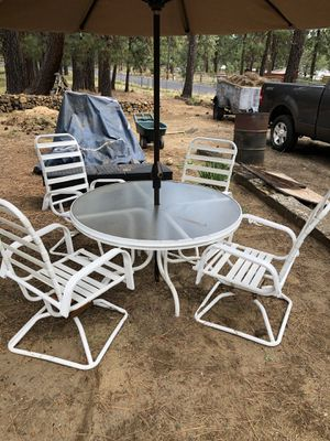 Table and chairs for Sale in Bend, OR