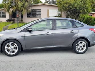 Ford Focus 2013 for Sale in Hialeah,  FL