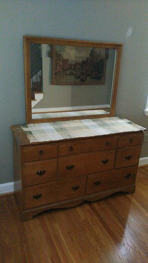 Dresser with mirror for Sale in King of Prussia, PA