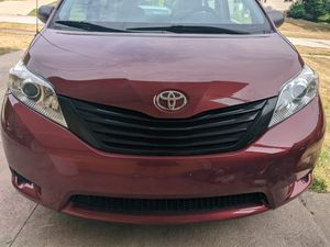 2013 Toyota Sienna Base Model for Sale in North Royalton, OH