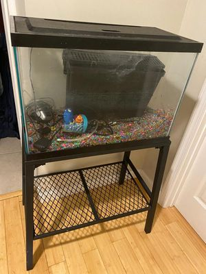 Fish tank 40 gallons for Sale in Raleigh, NC