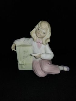 """Lladro Golden Memories """"For Daddy"""" Girl Porcelain Figurine for Sale in Portland,  OR"""