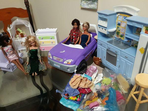 Barbie y accesorios