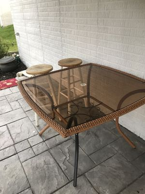Kitchen table with 2 stools for Sale in Triangle, VA
