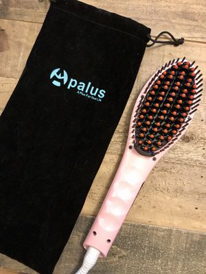 PALUS electrical hair-straightening heat brush for Sale in Los Angeles, CA