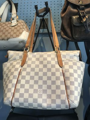 Blow Out LV Bag sale for Sale in Glendale, CA