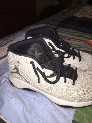 jordan basket ball shoes size 8 for Sale in Atlanta, GA