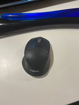 Logitech pro wireless mouse for Sale in San Jose, CA