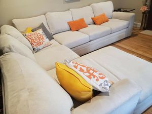 Cream sectional couch for Sale in Santa Clara, CA