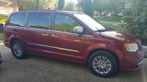 2013 Chrysler Town and Country Mini Van for Sale in San Antonio, TX
