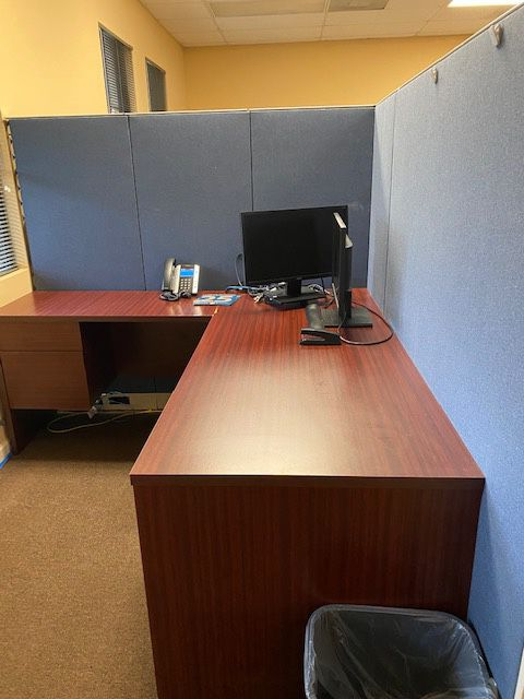 13 Call Center workstations available