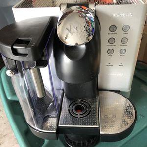 DeLonghi Nespresso Lattissima Premium Espresso coffee machine With Capsule System for Sale in Tampa, FL