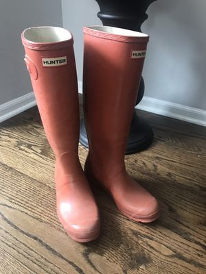 Hunter Woman's boots rubber orange size 8 39 for Sale in Kildeer, IL