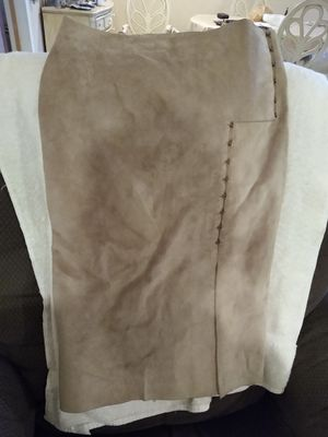 Gucci leather skirt for Sale in Nuevo, CA