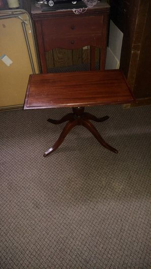 Antique coffee table for Sale in Clovis, CA