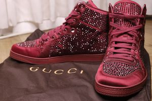Gucci Men Shoes size US 9 for Sale in Glendale, CA