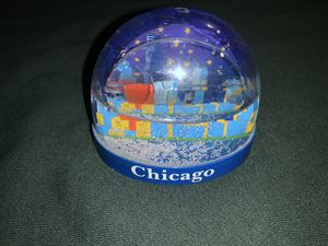 Chicago snow globe for Sale in Moreno Valley, CA