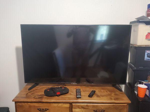 Samsung 50 Inch TV w Remote