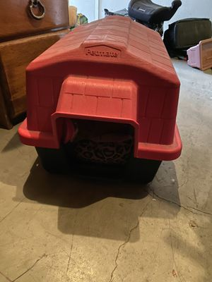 """""""SMALL"""" dog house. for Sale in Tracy, CA"""