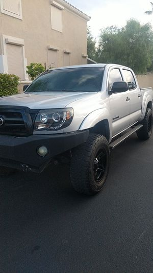 Toyota Tacoma four-wheel drive for Sale in Las Vegas, NV
