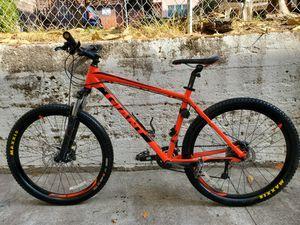 Mountain Bike Giant Talon, Año 2017, Tamaño L, Llantas 27.5 for Sale in Berkeley, CA