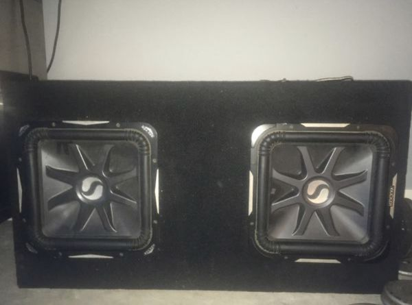15'inch KICKER SUBS IN ORIGINAL BOX!!!!