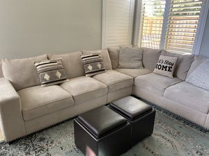 Sectional Living room set for Sale in Temecula, CA
