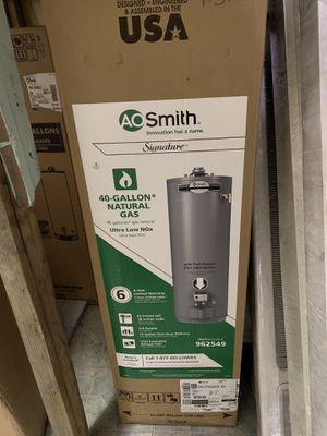 Water heater 40 galones 6 años de garantía for Sale in Los Angeles, CA