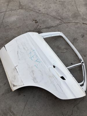 For 2010-2013 Mercedes Benz e class e350 w213 Rear left driver door shell used for Sale in Pomona, CA